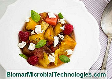 Fruit tomatensalade